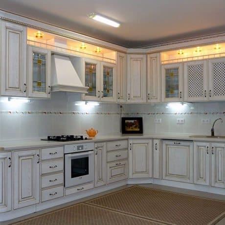Кухня на заказ с патинированными фасадами МДФ,  стоимость от 85 000р.-