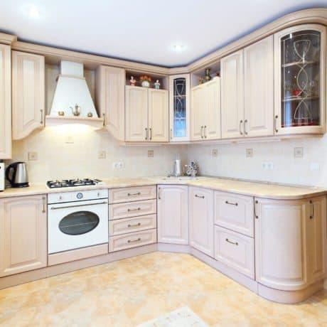 Кухня в цвете Кофе с молоком, радиусные фасады. Стоимость подобной - от 49 000р.-