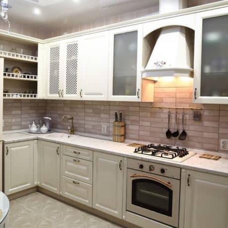 Кухня  стиле прованс, фасафы матовая эмаль Каппучино. Стоимость от 40 000р.-