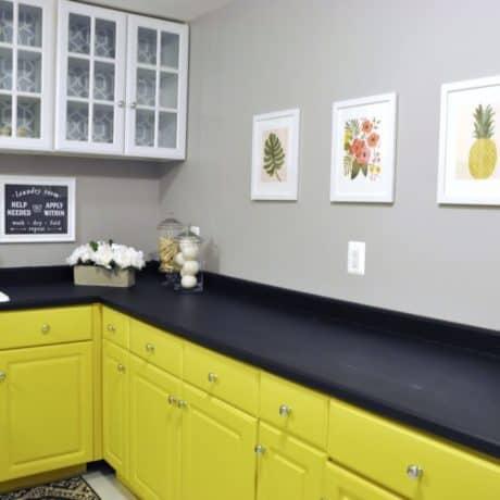 Кухня угловая с крашеными фасадами, матовая эмаль. От 140 000 р.-. Любая конфигурация и цвет по RAL