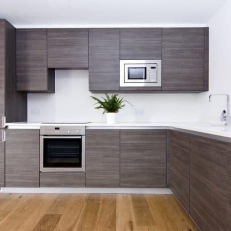 Современная угловая кухня Матио в стиле минимализм. Открывание фасадов - нажатием. От 120 000 р.-