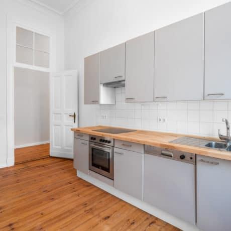 Кухня прямая с крашеными фасадами, матовая эмаль. От 100 000 р.-. Любая конфигурация и цвет по RAL